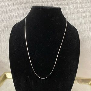 Jewelry - 14K Solid White Gold Snake Link Chain